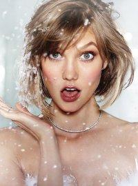 Карли Клосс представляет рождественскую коллекцию белья Victoria`s Secret