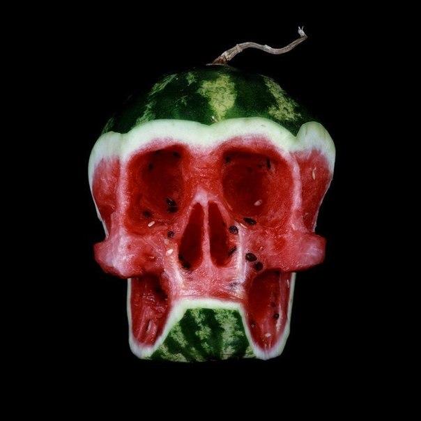 Странный карвинг: Зловещий арбуз