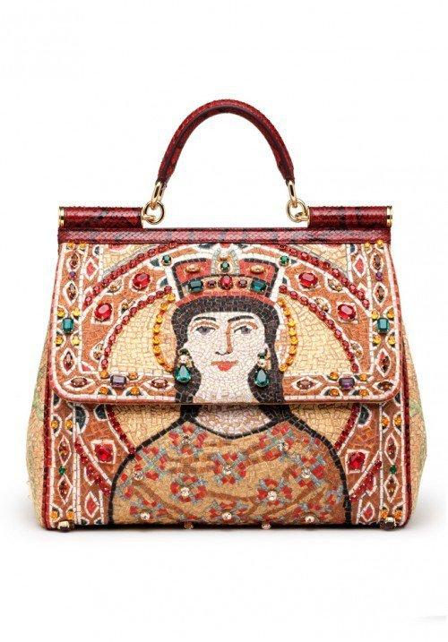 Яркая сумка от Dolce & Gabbana