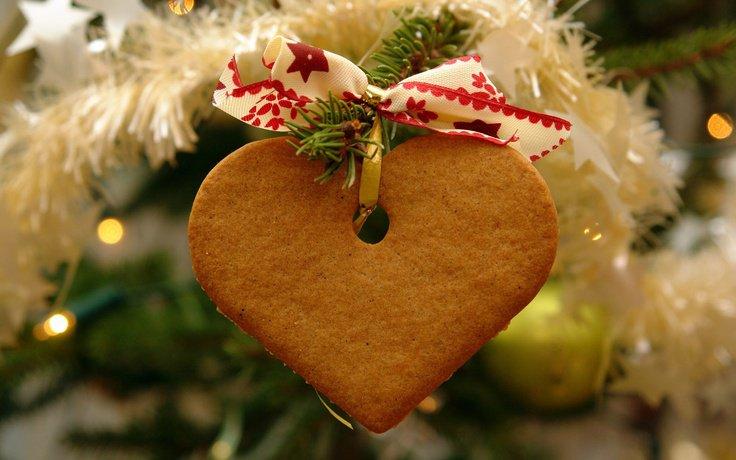 Медовое новогоднее печенье «Сердце»