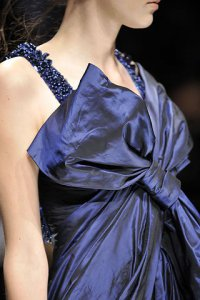 Как выбрать платье синего оттенка для встречи Нового года?