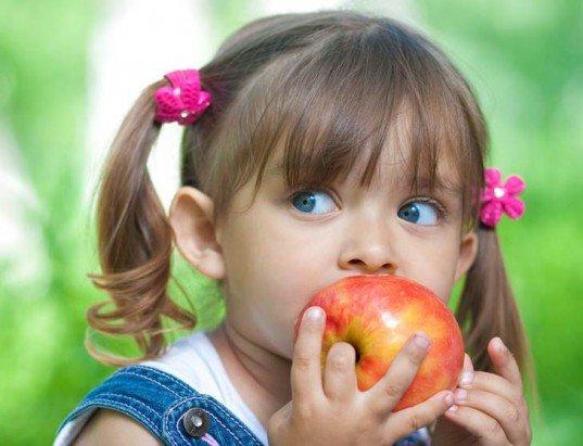 Как выбрать яблоки для ребенка