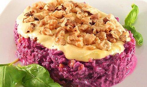 Салат из свеклы и орехов