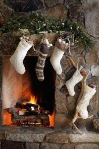 Без чего не бывает Нового года: носки с подарками