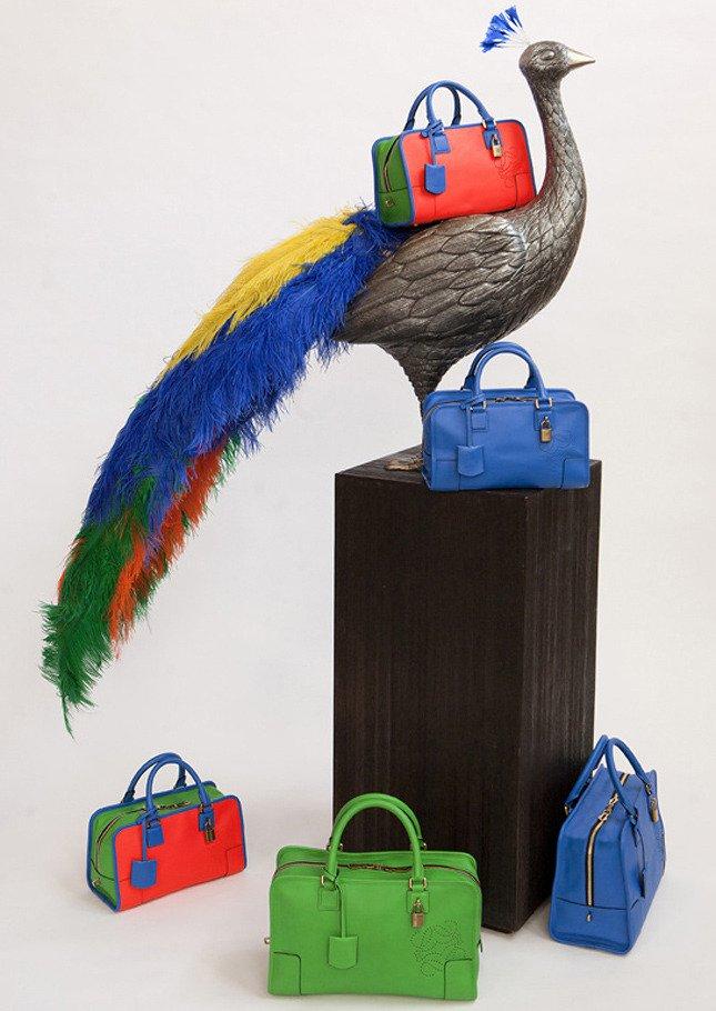 Яркие сумки от Loewe