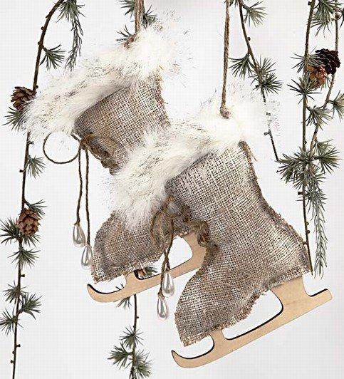 Игрушка на елку: «Новогодние коньки»