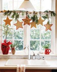 Идея украшения окна на Новый год