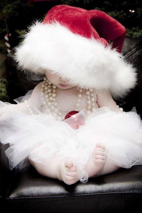 Новый год с маленьким ребенком: до 6 месяцев
