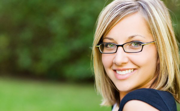 Что расскажут о женщине ее очки