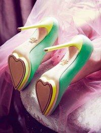 Любвеобильные туфли с сердцами на подошве