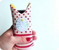 Чехол-котик из носка для телефона