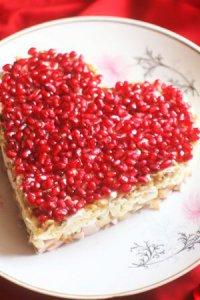 Салат на День святого Валентина «Гранатовое сердце»