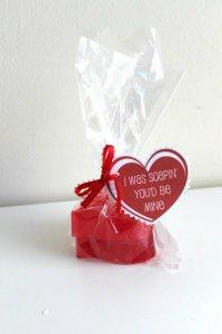 Мыло в форме сердечек на День святого Валентина