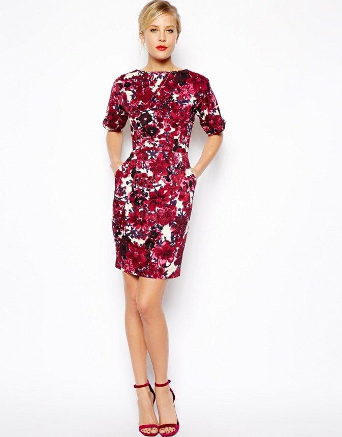 Платье с цветочным принтом на День всех влюбленных