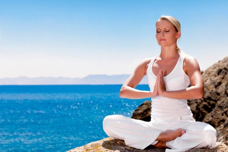 Зачем нужна женская йога