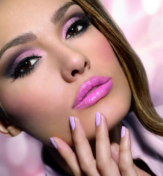 Сколько женщин не может обойтись без макияжа
