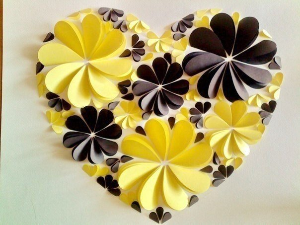 Картина из бумажных сердечек