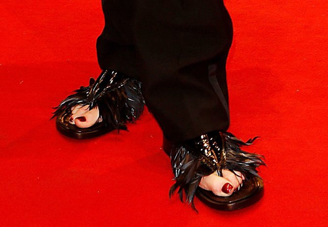 Ужасающая обувь от Тильды Суинтон