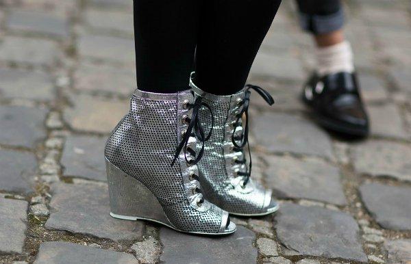 Модные новинки весна 2014: туфли в футуристическом стиле