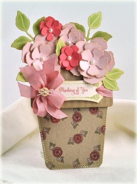Открытка в виде горшка с цветами на 8 Марта