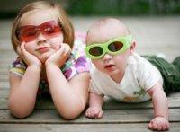 Дети-погодки: как маме успеть их кормить