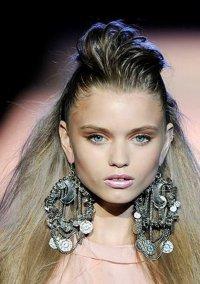 Модные новинки весна-лето 2014: серьги-люстры