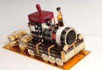Подарок на 23 февраля: паровоз из конфет, кофе и виски
