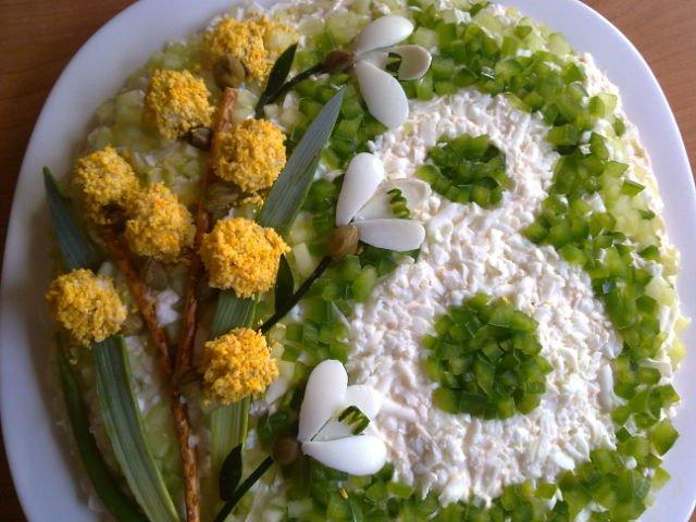 Замечательный салат на 8 Марта