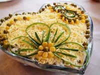 Простой салат на 8 Марта
