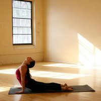 Как обустроить место для йоги у себя дома