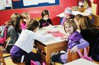 Конкурсы на 8 Марта в школе: «Галантный кавалер»