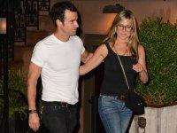Дженнифер Энистон и Джастин Теру опровергли слухи о расставании