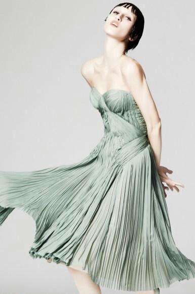 Тренд весна 2014: платье плиссе