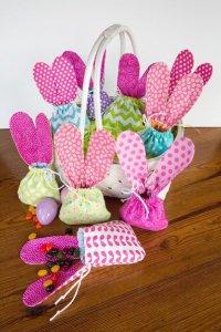 Яркие мешочки для пасхальных сладостей