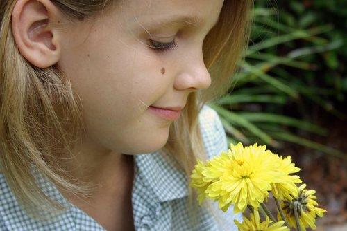 Опасны ли родинки на теле у ребенка?