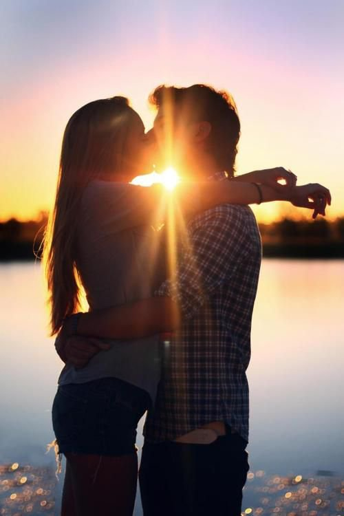 О будущем ваших отношений расскажет первый поцелуй