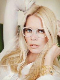 Клаудия Шиффер снялась в рекламной кампании очков
