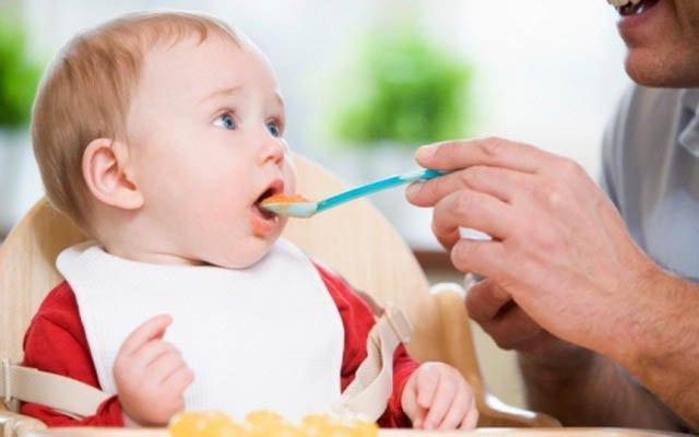 Как заставить ребенка поесть
