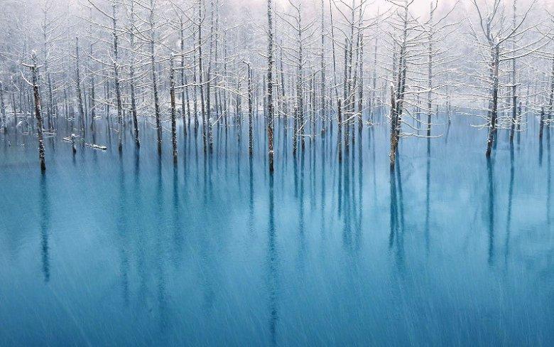 Загадочный цвет воды пруда Биэй