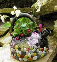 Как из старого чайника сделать новый цветочный горшок