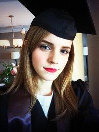 Эмма Уотсон получила степень бакалавра