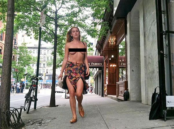 Голый протест Скаут Уиллис против Instagram