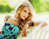 Лучшие цвета одежды для блондинок