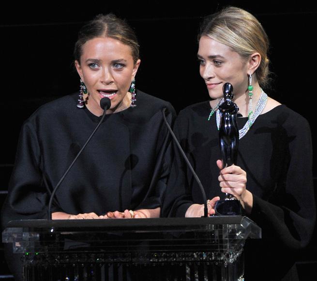 Сестры Олсен получили 2-ю награду CFDA