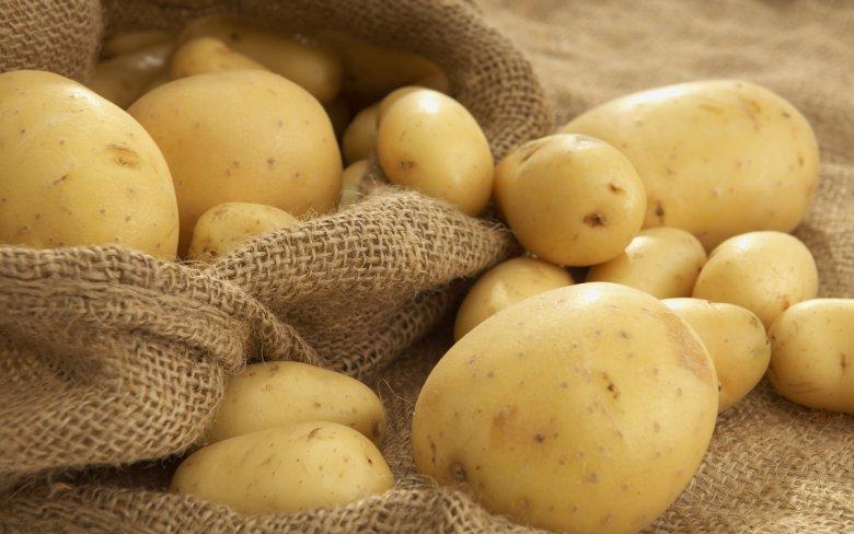 Как справиться с жирностью волос с помощью картофеля