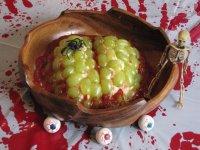 Куриный салат «Мозг» на Хэллоуин