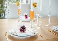 Шишки как украшение новогоднего стола