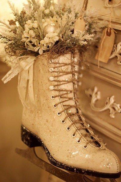 Коньки для новогоднего украшения дома