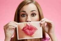 Как увеличить губы при помощи макияжа
