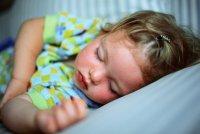 Как уложить ребенка спать без слез